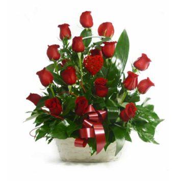 Cesta de 18 rosas rojas