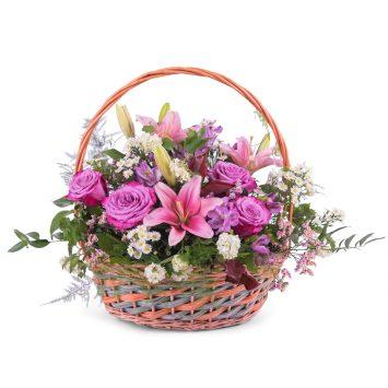 Cesta Primaveral Multicolor - Envío de Flores a Domicilio
