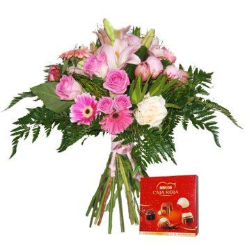 Ramo de flores y bombones