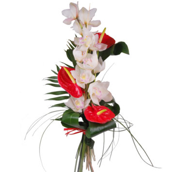 Ramo de orquideas con anthuriums