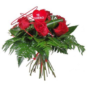 Ramo de rosas rojas con corazón