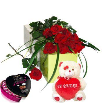 Rosas rojas bombones y peluche